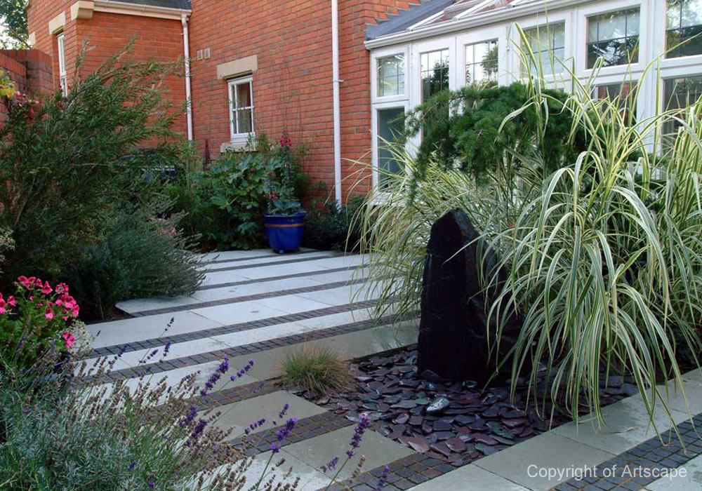 Small contemporary garden design buckinghamshire for Garden design examples