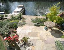Riverside Garden Landing