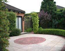 Modern Property Garden 2