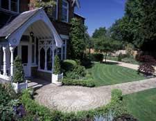 Large Front Garden, Berkshire