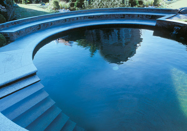 Natural swimming pools and ponds uk bucks berks oxon surrey buckinghamshire berkshire london for Swimming pools buckinghamshire