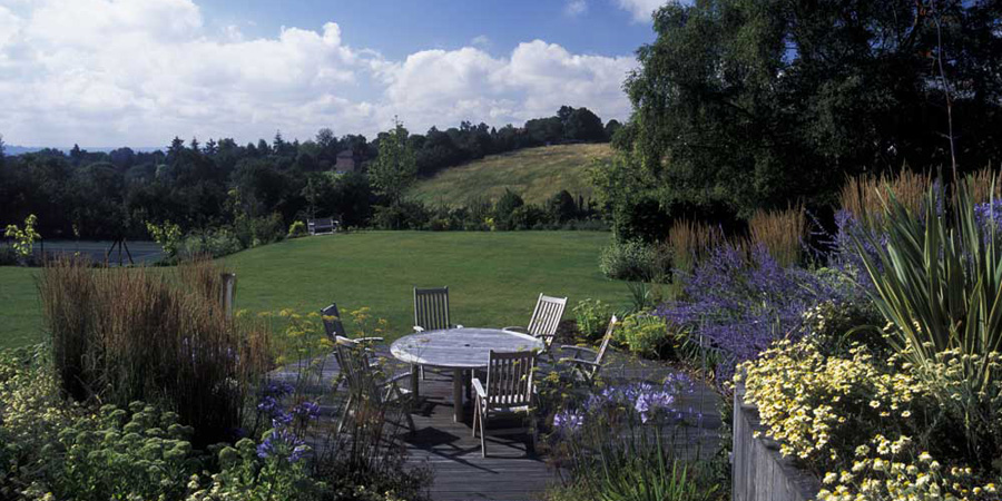 Garden design in Buckinghamshire with views of countryside